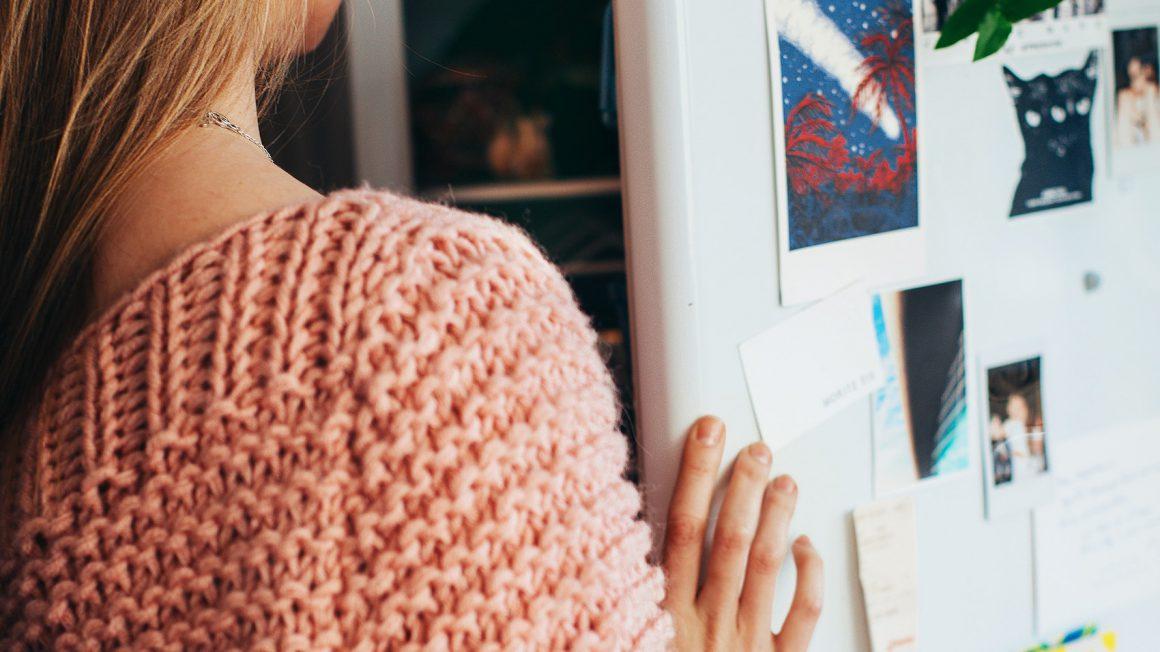 back-view-fashion-fridge-1458687