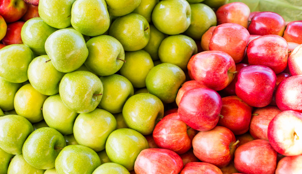 pile-of-gala-and-granny-smith-apples-on-market-picjumbo-com