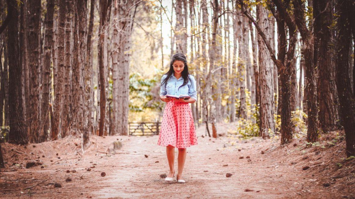 beautiful_dress_girl_outdoors_person_reading_road_trees-1169801.jpgd_