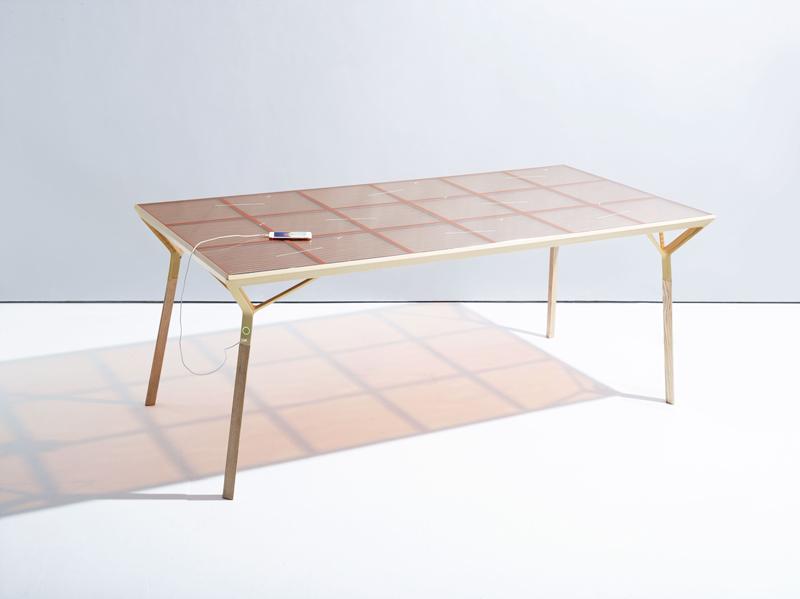 Zonnepaneel-tafel: ontwerp Marjan van Aubel