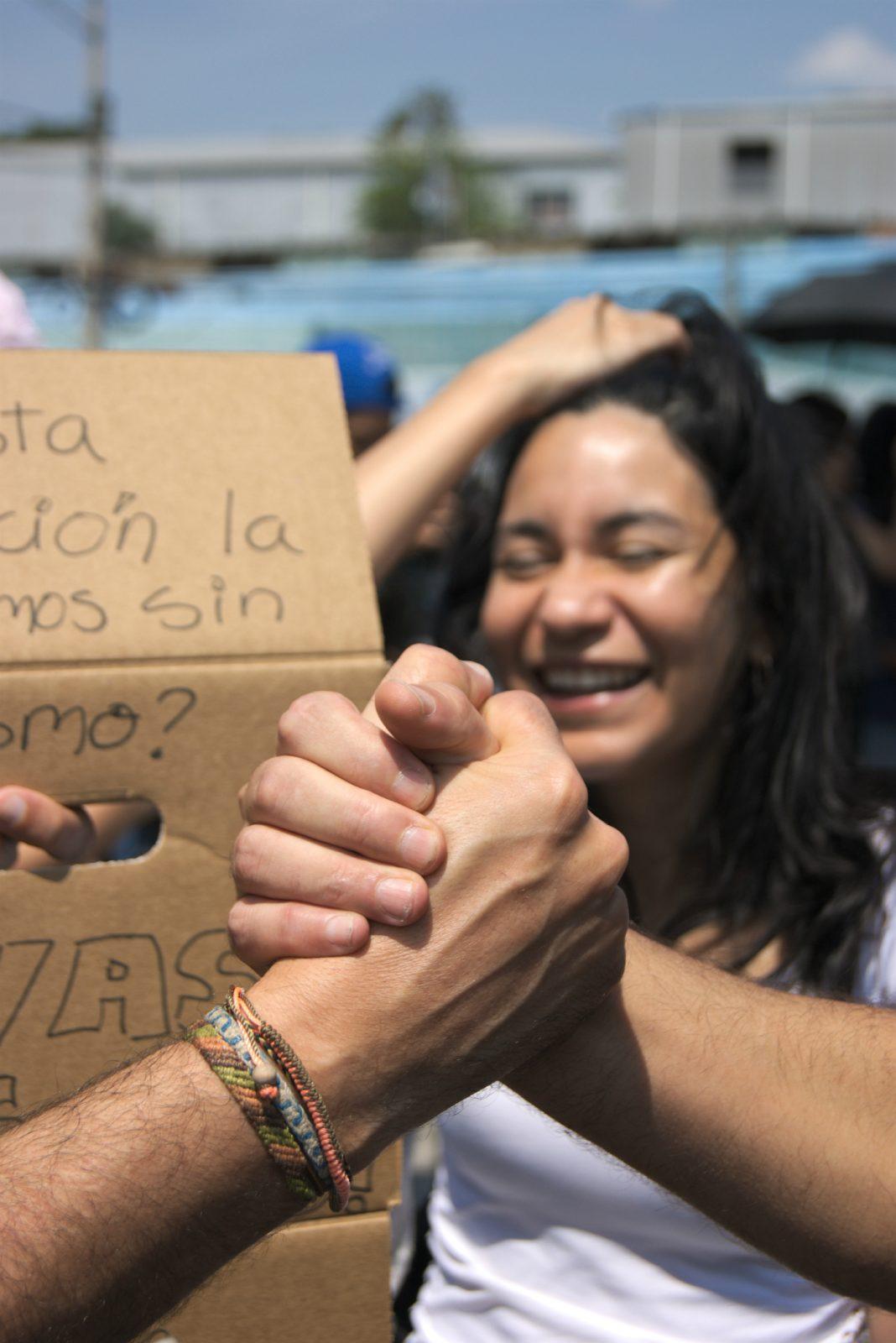 dokter-Luzmila-Argueta-op-protest-geweld-tegen-vrouwen