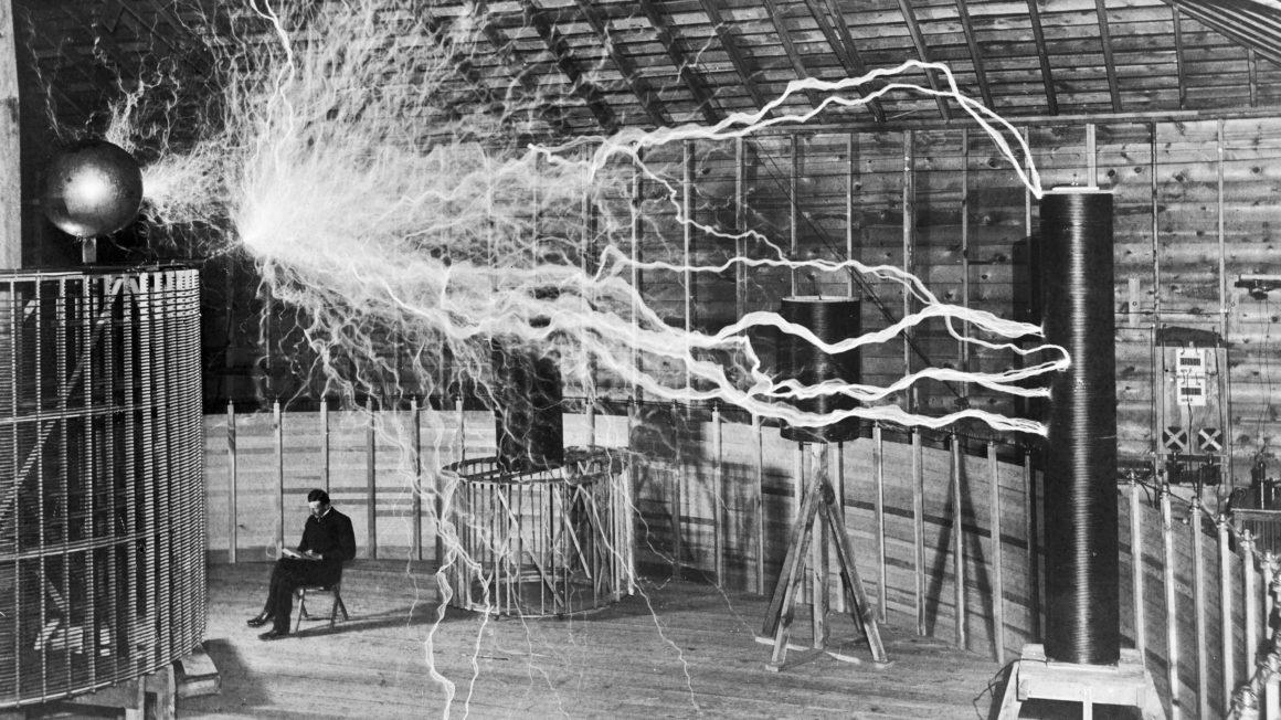 M0014782 Nikola Tesla, with his equipment