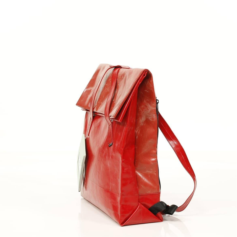e510485388f Nieuwe schooltas nodig? Kies voor hip én verantwoord - OneWorld
