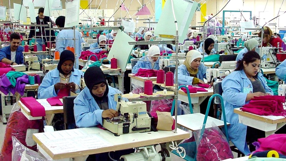 Clothing factory in jordan with female workers