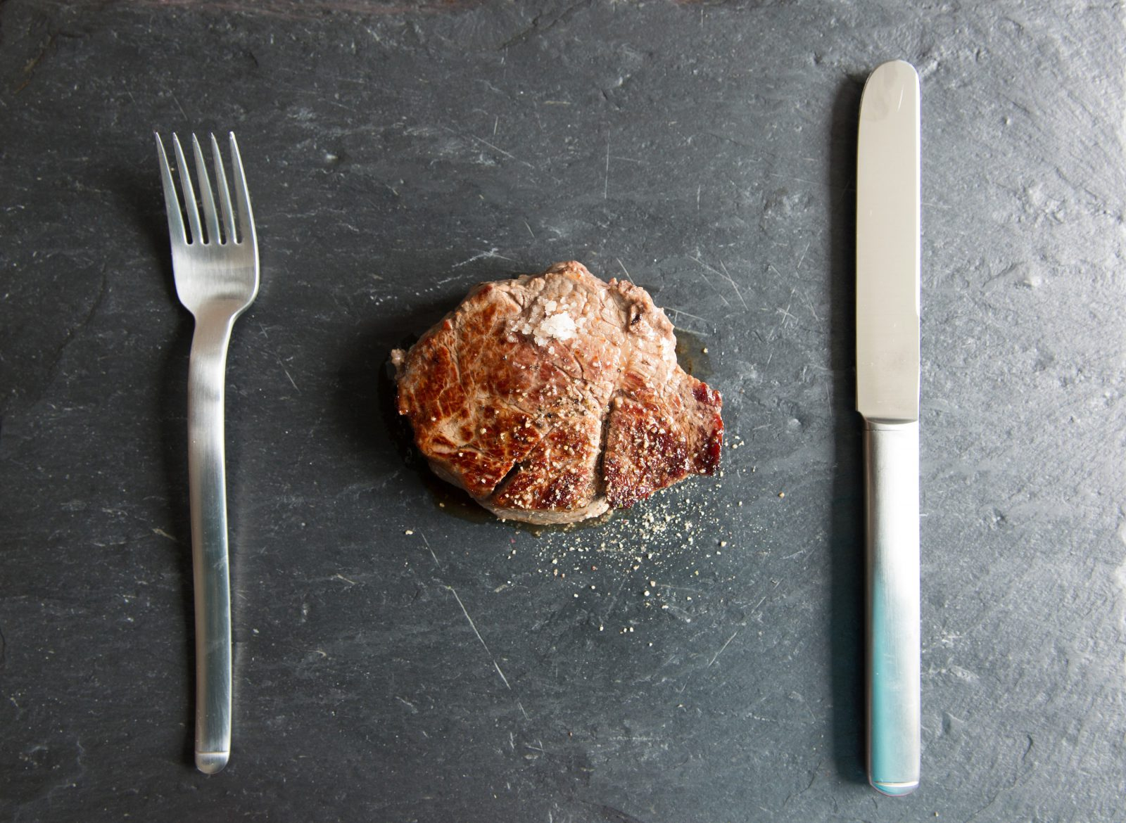 beef-cutlery-dining