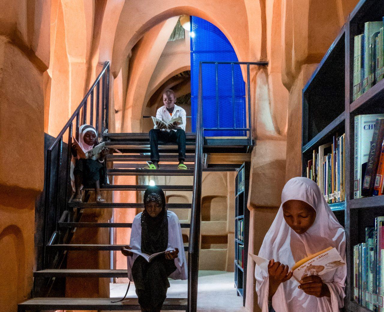 dandaji-mosque-atelier-masomi-architecture-mosque-library-community-centre-africa_dezeen_2364_col_20