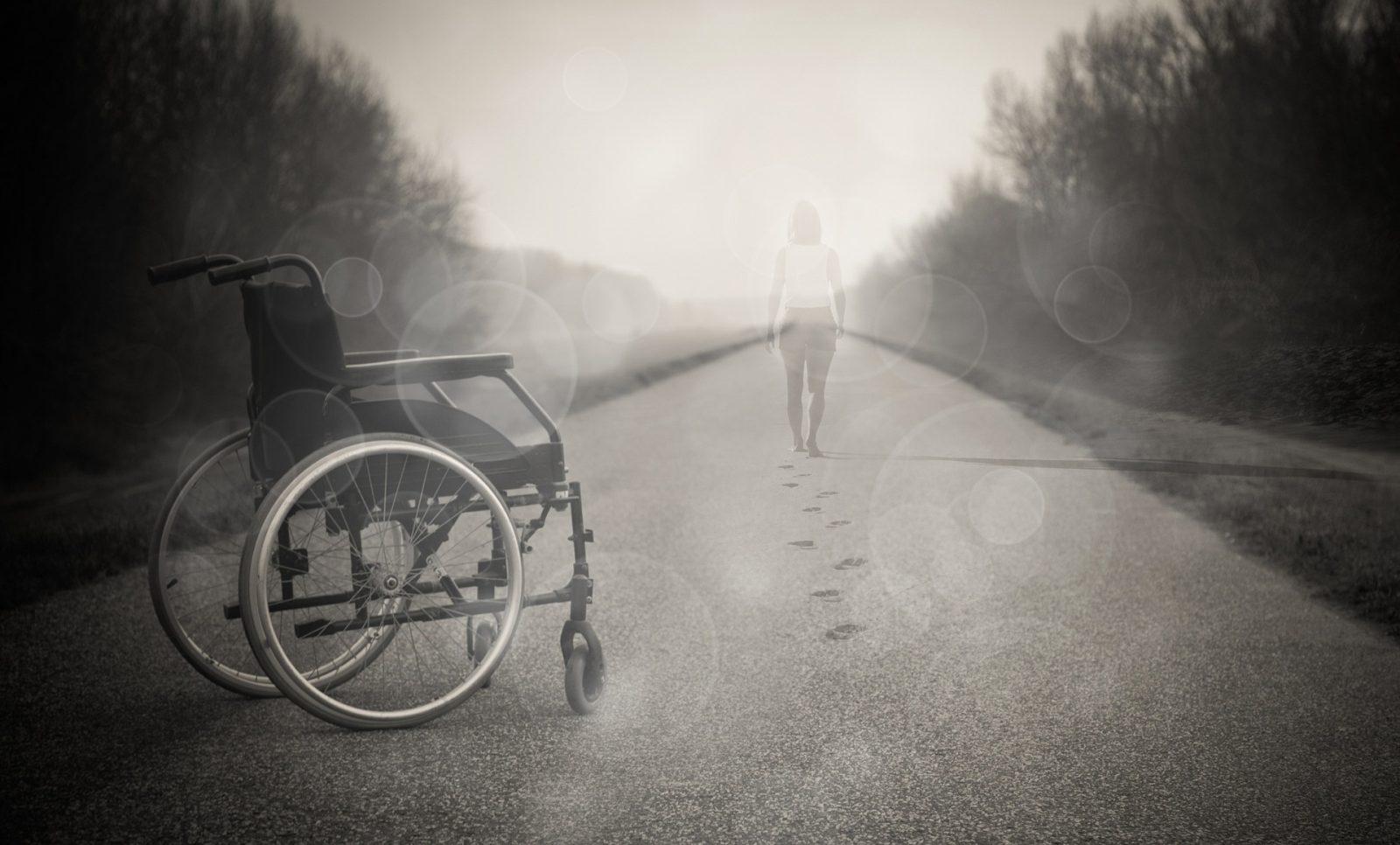 wheelchair-1501993_1920