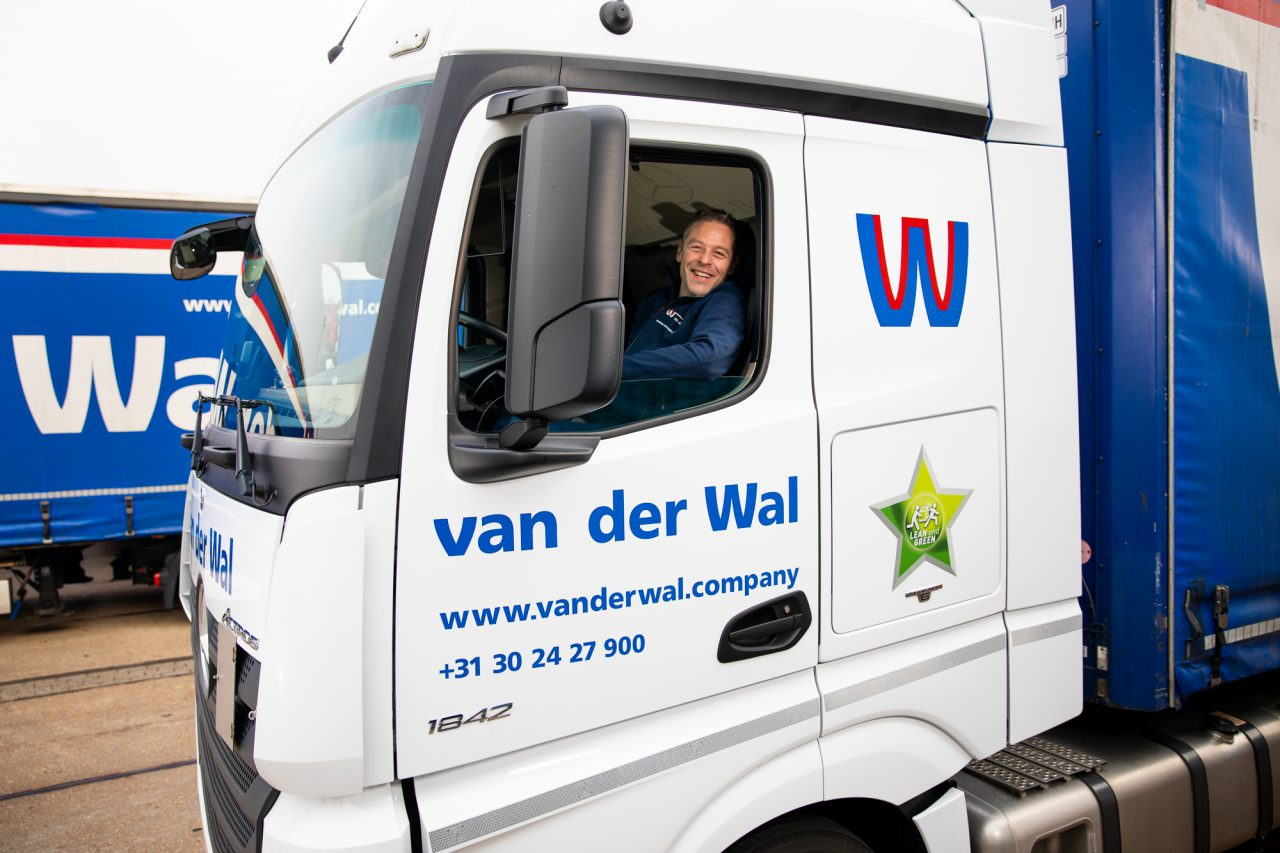 Van der Wal 0020_chauffeur-lr-002